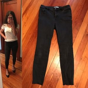 LOFT black rinse cropped length stretchy jeans/leg